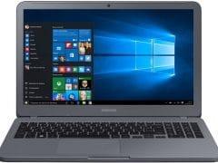 """O Notebook Samsung Essentials E20 NP350XAA-KDABR possui processador Intel Celeron Dual Core (3865U) de 1.8 GHz e 2 MB cache, 4GB de memória RAM (DDR4 2133 MHz), HD de 500 GB (5.400 RPM), Tela LED HD de 15,6"""" antirreflexiva com resolução máxima de 1366 X 768, Placa de Vídeo integrada Intel HD Graphics 610, Conexões USB e HDMI, Wi-Fi 802.11 b/g/n/ac, Não possui Drive de DVD, Bateria de 3 células (43Wh), Peso aproximado de 1,95kg e Sistema Operacional Windows 10 64 bits."""