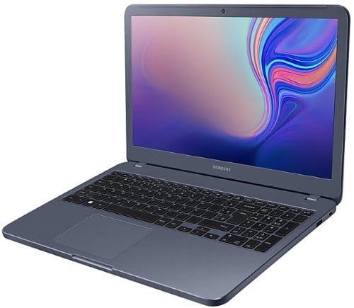 O Notebook Samsung Expert GfX X40 NP350XBE-XD1BR possui processador Intel Core i5 (8265U) de 1.6 GHz a 3.9 GHz e 6MB cache, 8GB de memória RAM (DDR4 - 4 GB integrados x 1 + 4 GB x 1 - sendo 1 SODIMM), HD de 1 TB (5.400 RPM), Tela LED HD de antirreflexiva e resolução máxima de 1366 x 768, Placa de Vídeo integrada Intel UHD Graphics 620 e NVIDIA Geforce MX110 com 2GB de memória dedicada (GDDR5), Conexões USB e HDMI, Wi-Fi 802.11 b/g/n/ac, Webcam, Não possui Drive de DVD, Bateria de 43Wh, Peso aproximado de 1,95kg e Windows 10 64 bits.