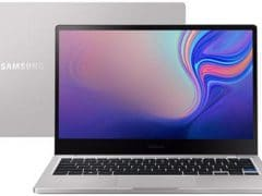 """O Notebook Samsung Style S51 NP730XBE-KP2BR possui processador Intel Core i5 (8265U) de 1.6 GHz a 3.9 GHz e 6MB cache, 8GB de memória RAM (LPDDR3 - 8Gb onboard), SSD 256GB, Tela LED Full HD de 13,3"""" com resolução máxima de 1920 x 1080, Placa de Vídeo integrada Intel UHD Graphics 620, Conexões USB e HDMI, Wi-Fi 802.11 b/g/n/ac, Não possui Drive de DVD, Bateria de 56Wh, Peso aproximado de 1,29g e Sistema Operacional Windows 10 64 bits."""